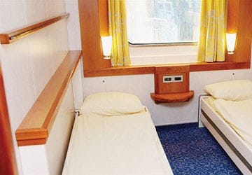 brittany_ferries_mont_st_michel_4_bed_outside_cabin