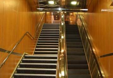 cyclades_fast_ferries_theologos_p_stairwell