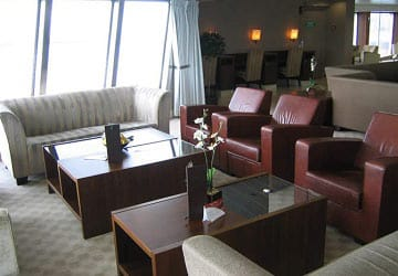 po_ferries_pride_of_burgundy_club_lounge_seats