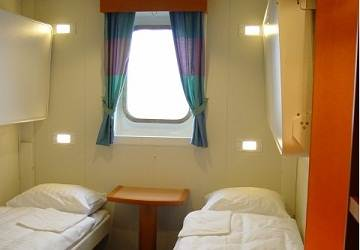 polferries_wawel_4_berth_outisde_cabin