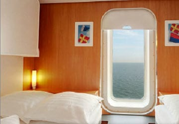 stena_line_stena_britannica_5_person_outside_cabin